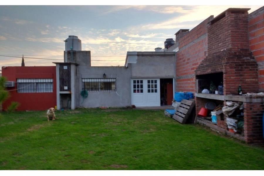 Rosario,Santa Fe,2 Habitaciones Habitaciones,1 BañoBaños,Casas,Colombres,1557